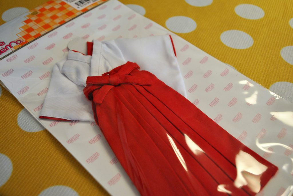 Azone Shrine Maiden uniform